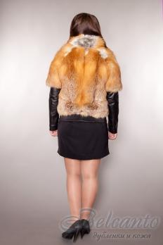 Полушубок из лисы с капюшоном