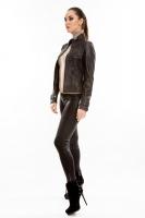 Короткая молодежная кожаная куртка на молнии_1