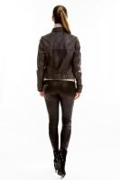 Короткая молодежная кожаная куртка на молнии_2