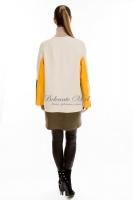 Кожаная куртка с яркими цветными вставками_2