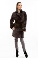 Короткое пальто из астрагана под пояс_0