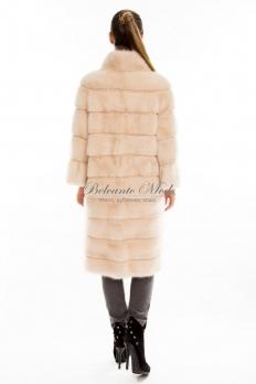 Длинное норковое пальто в поперечном исполнении